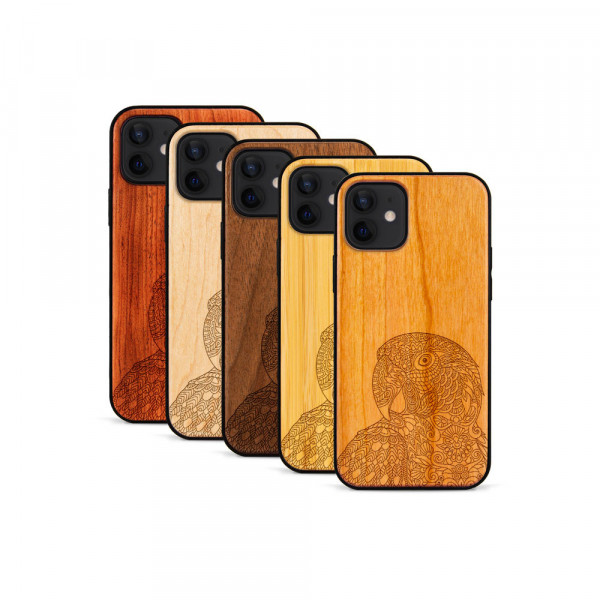 iPhone 12 & 12 Pro Hülle Papagei aus Holz