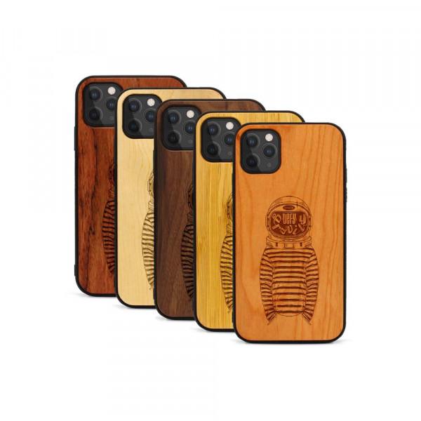 iPhone 11 Pro Hülle Defy Gravity aus Holz