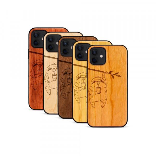 iPhone 12 & 12 Pro Hülle Faultier aus Holz