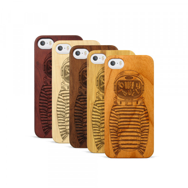 iPhone 5, 5S & SE Hülle Defy Gravity aus Holz