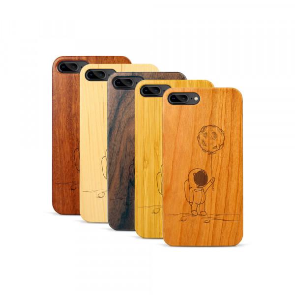 iPhone 7 & 8 Plus Hülle Astronaut aus Holz