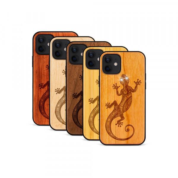 iPhone 12 & 12 Pro Hülle Gecko Swarovski® Kristalle aus Holz