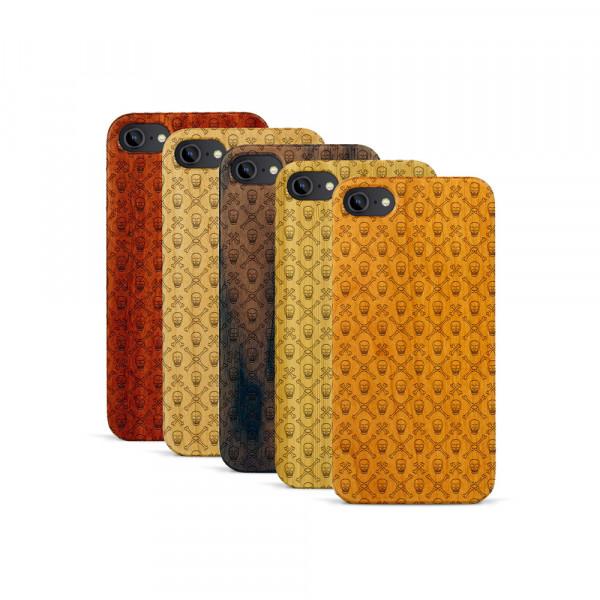 iPhone 7 Hülle Totenkopf Pattern aus Holz