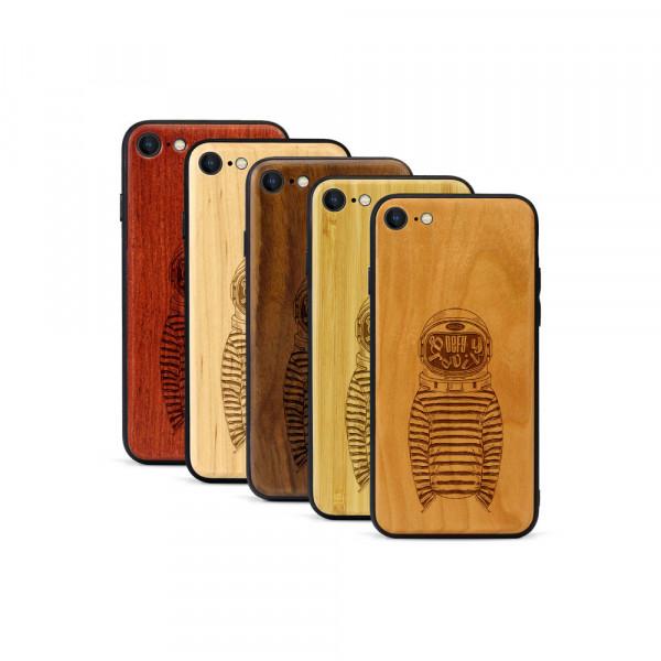 iPhone 8 & SE Hülle Defy Gravity aus Holz