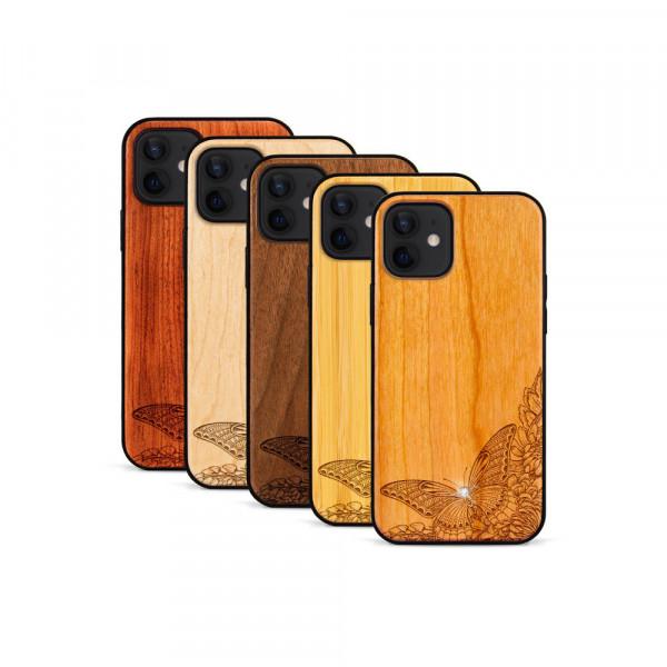 iPhone 12 & 12 Pro Hülle Schmetterling Swarovski® Kristalle aus Holz