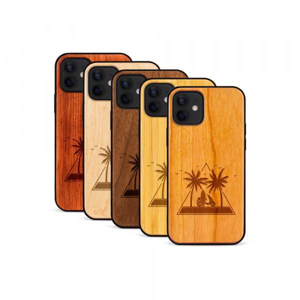 iPhone 12 & 12 Pro Hülle Palmen und Meer aus Holz