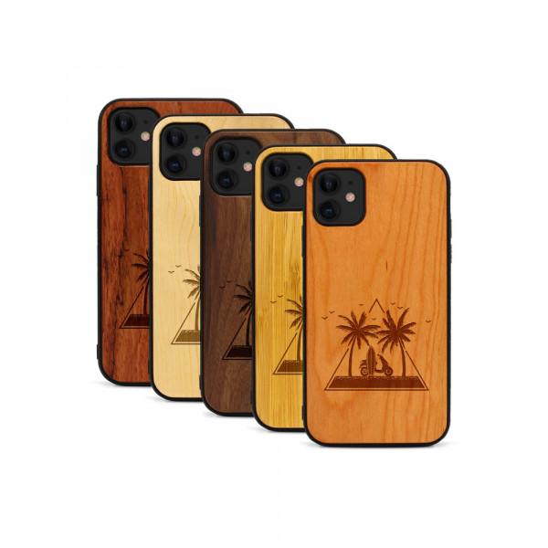 iPhone 11 Hülle Palmen und Meer aus Holz