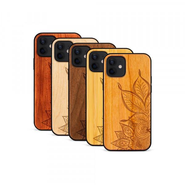 iPhone 12 & 12 Pro Hülle Mandala aus Holz