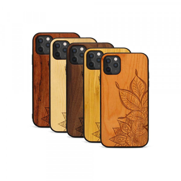 iPhone 11 Pro Max Hülle Mandala aus Holz