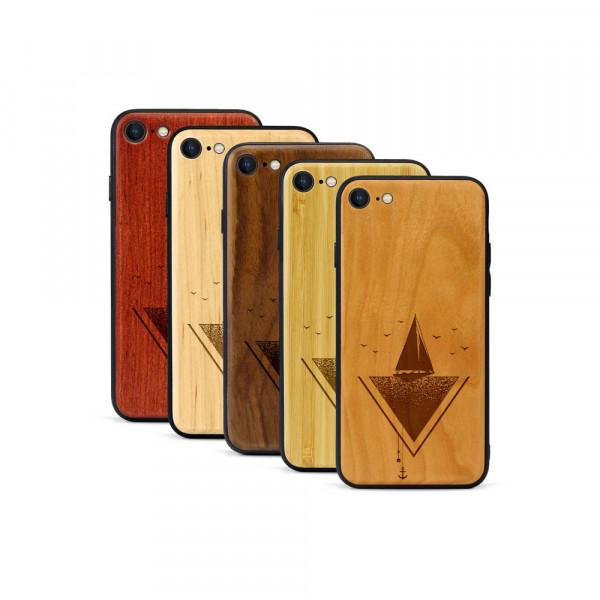 iPhone 8 & SE Hülle Segelboot aus Holz