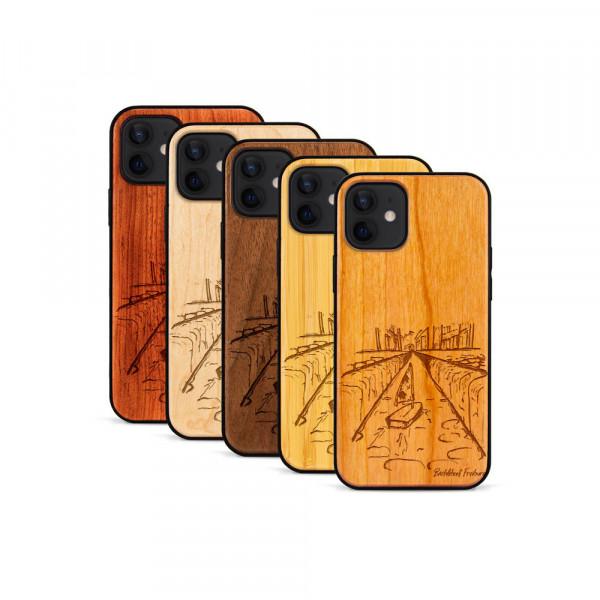 iPhone 12 & 12 Pro Hülle Freiburg Bächleboot aus Holz