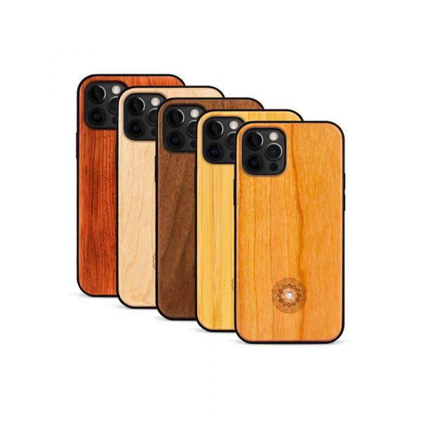 iPhone 12 Pro Max Hülle Mandala Swarovski® Kristalle aus Holz